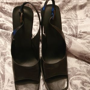 Gucci: black leather pumps - preowned